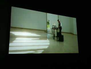 Still fra Anri Salas tredelte videoværk, Venedig Biennalen, 2013. Eget foto