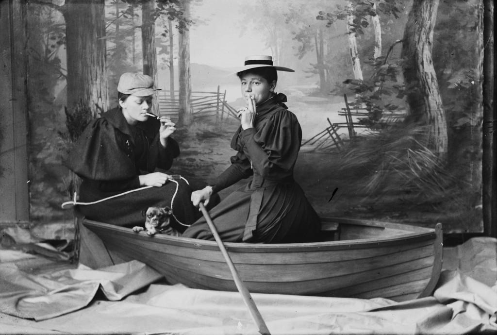Marie Høeg (1866-1949) og Bolette Berg (1872-1944), uden år eller titel