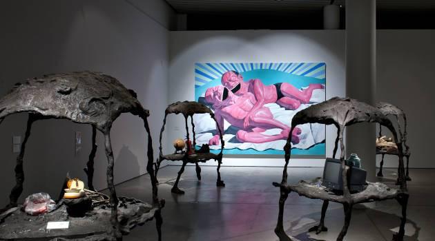 Installationsshot af Yue Minjuns udstilling 'Det arkæologiske fund, år 3009' på ARoS, 2011. Foto: Ole Hein Pedersen