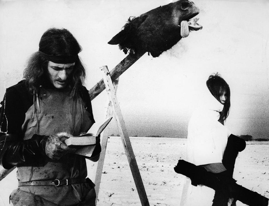 Bjørn Nørgaard og Lene Adler Petersen under 'Hesteopfringen', 1970. Foto: Jørgen Schytte