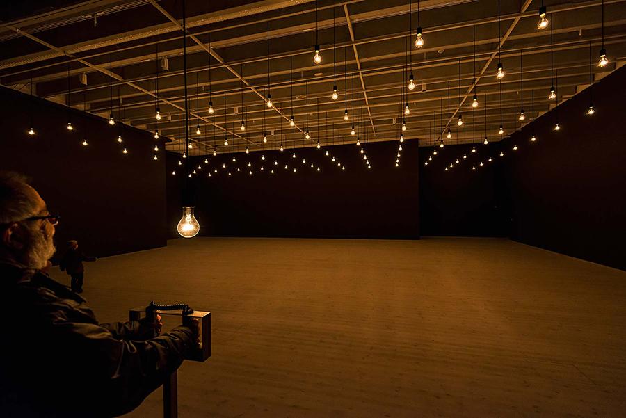 Rafael Lozano-Hemmer: 'Pulse Room', Bildmuseet, 2014