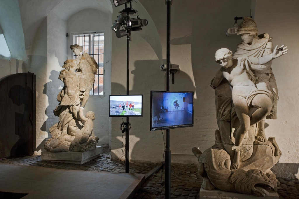 Frans Jacobis to videoværker på udstillingen 'Skilsmissen'. Foto: Erling Jeppesen