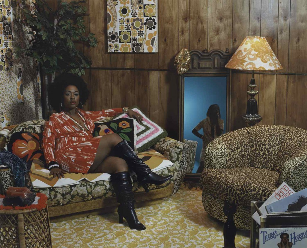 Mickalene Thomas: 'Sista Sista Lady Blue', 2007.   © Mickalene Thomas / Artists Rights  Society (ARS), New York; Foto: Katherine Du Tiel