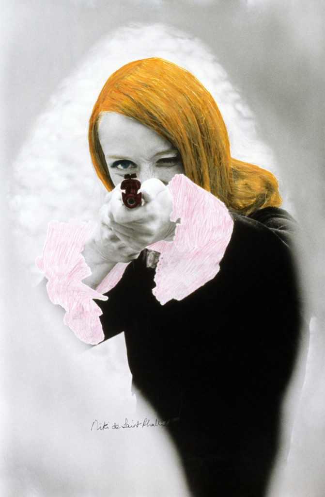"Niki de Saint Phalle shooting (colored Film-Still of ""Daddy""), 11972. © 2015 NIKI CHARITABLE ART FOUNDATION, All rights reserved. Foto: Schamoni Film"