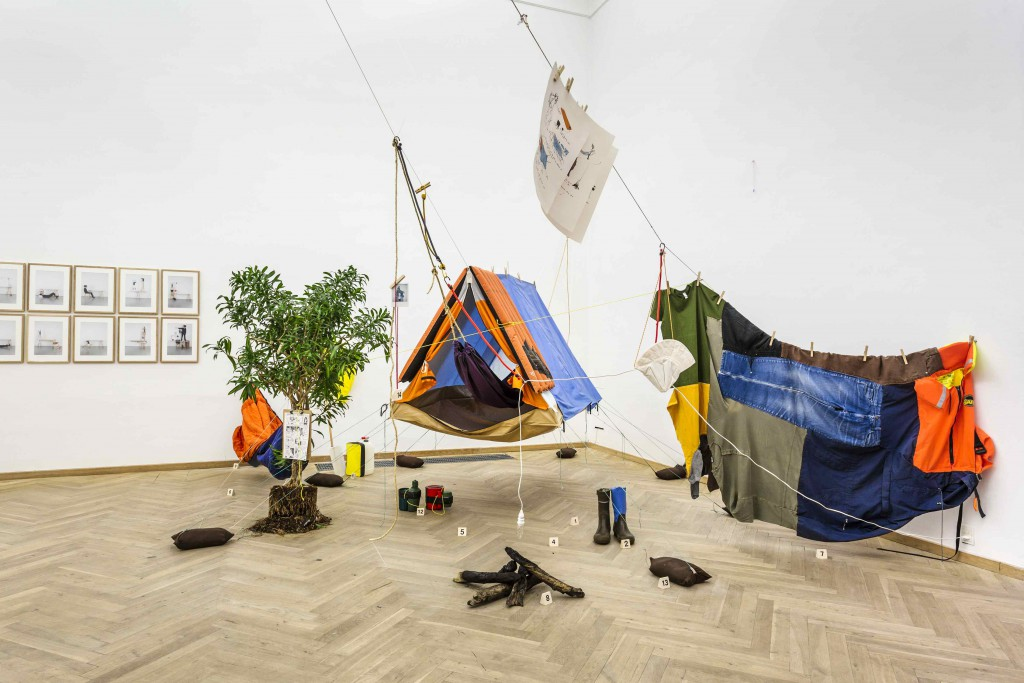 Ana Rita Antonios installation 'Evolutionary Thinking at the Campground', Forårsudstillingen, 2016. Foto: Christoffer Askman