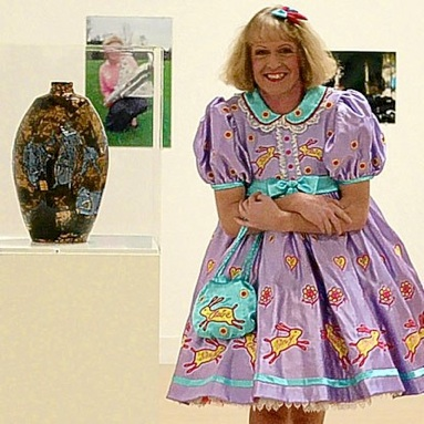 Grayson Perry modtager Turner Prize, 2003
