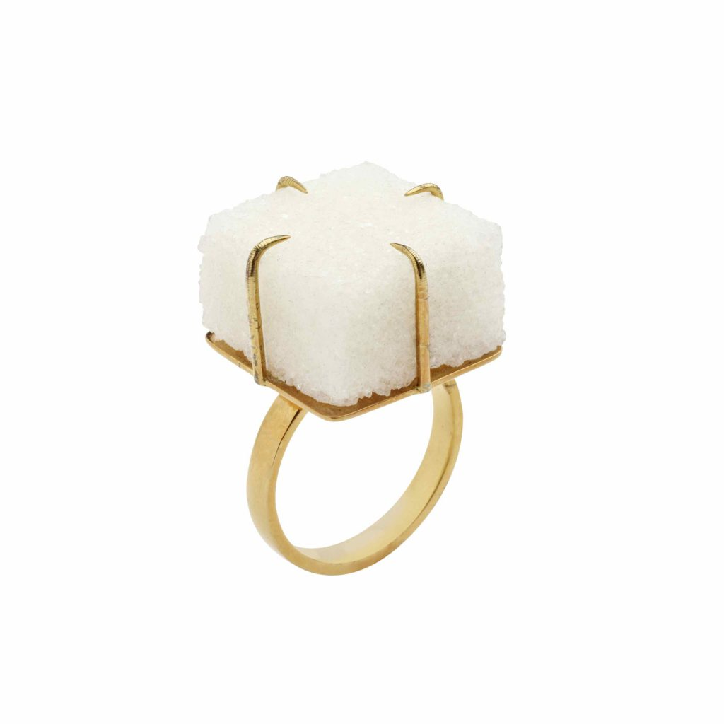 Méret Oppenheim: 'Suger Ring'. Foto: Stedelijk 's-Hertogenbosch
