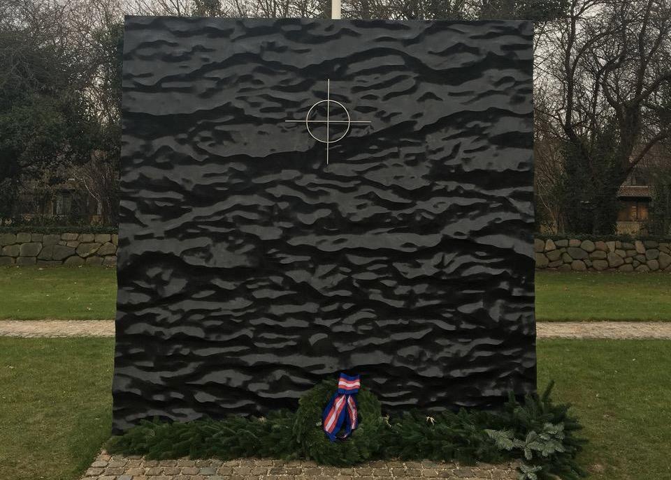Monumenter opføres, omskabes og diskuteres højlydt for tiden